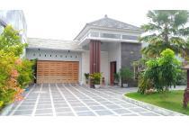 Jual Rumah super Mewah Dengan Private Pool diJl Kaliurang Sleman Yogyakarta