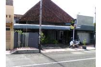 Rumah lokasi strategis Dekat Pasar Tanjung Jember 0 jalan depan Sekolah sD