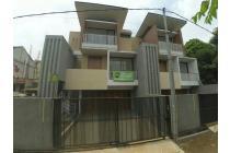 Hunian mewah 3 lantai super Bu Tangerang