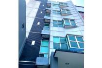Gedung 5 lantai + Rooftop di Tebet