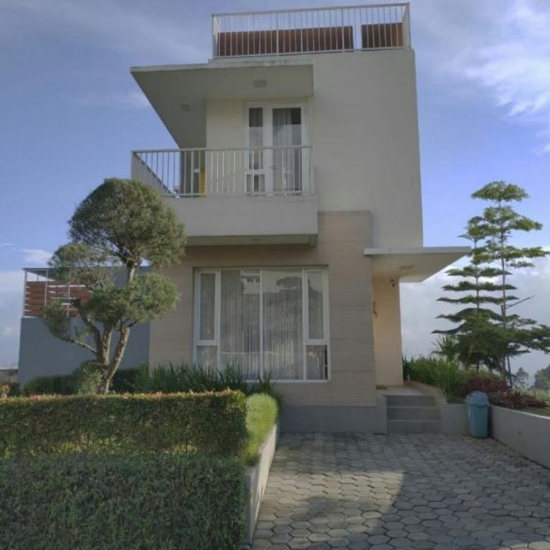 Villa Nyaman dan Sejuk VALLE VERDE Lokasi Cisarua ..   PROF M