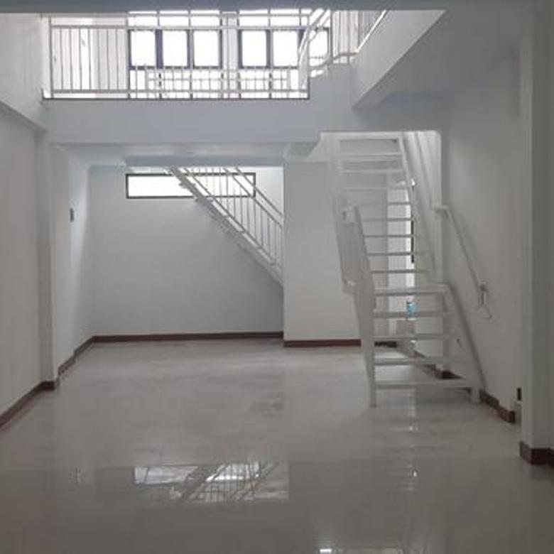 Rumah Baru Siap Huni Deket dengan Pintu TOLL JORR CILEDUG , JAKARTA SELATAN