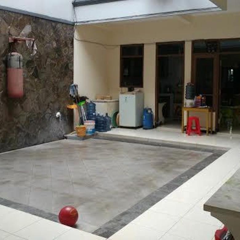 Dijual Rumah 2 Lantai Siap Huni di Kutisari Indah, Surabaya