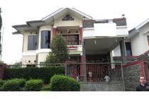 Villa 2 Lantai Lembang Bandung Lt. 301M2 Rp. 2 Miliar Negoooo