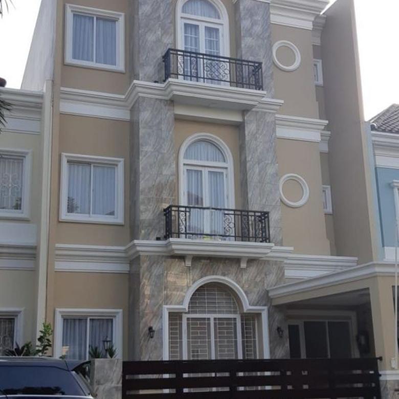 Dijual Rumah Nyaman di Royal Gading Mansion, Kelapa Gading