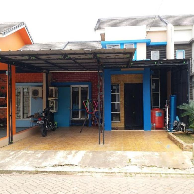 Rumah cantik dekat akses KA, Serpong
