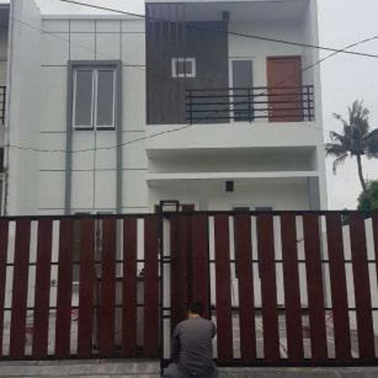 Rumah Baru Minimalis di Kebayoran Lama Jakarta Selatan