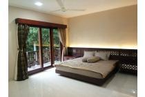 rumah di nusa dua, ruangan besar2, kmr besar, lokasi strategis, furnish