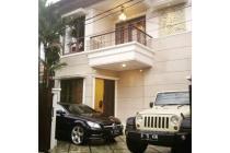 sewa rumah di mampang murah 2lantai minimalis furnish,privat pool