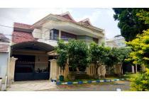 Rumah dengan 6 Kamar daerah PBI Araya, Malang