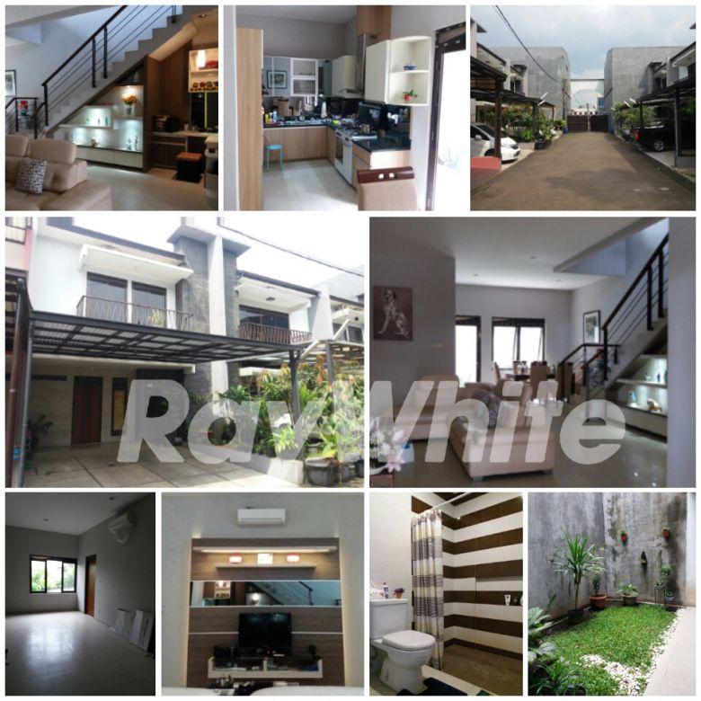 DiJual Rumah tinggal Jl.Holis raya (pinggir jalan) Taman Holis Indah