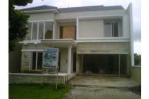 Rumah di Riverside Malang