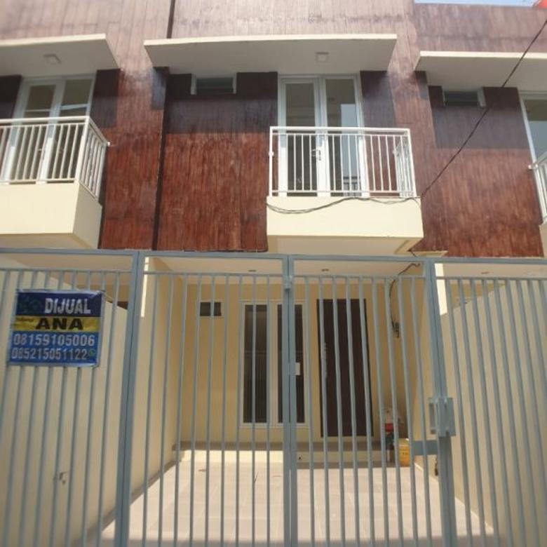 Rumah baru 2 lantai lokasi di Jelambar