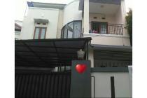 Rumah Cantik Dijual Di Cipete dalam Townhouse