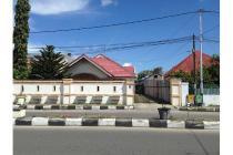 Dijual Rumah Mewah Bagus di Gorontalo Jalan Raya Besar harga menarik