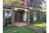 Dijual Cepat Villa Lokasi Strategis Siap Huni di Kuta Utara