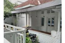 Rumah di jl Pakuningratan Yogyakarta