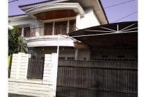 Rumah Mewah di Sariwangi