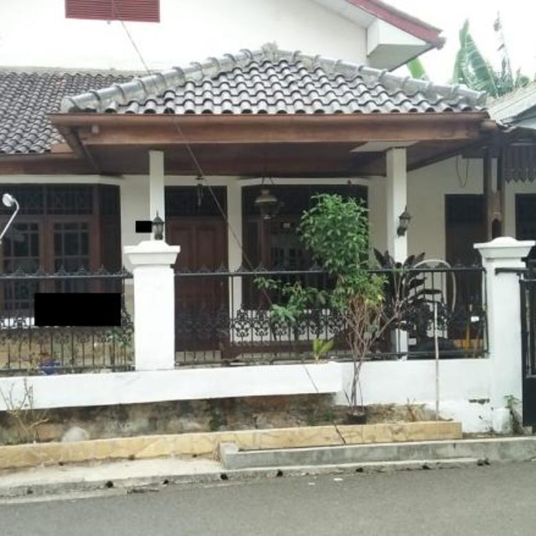Disewakan Rumah 2 Lantai di Komplek Pekerjaan Umum Bintaro, Tangsel