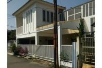 """""""R""""Rumah 2 Lantai Sudah Renov Dalam Perumahan di Caringin"""