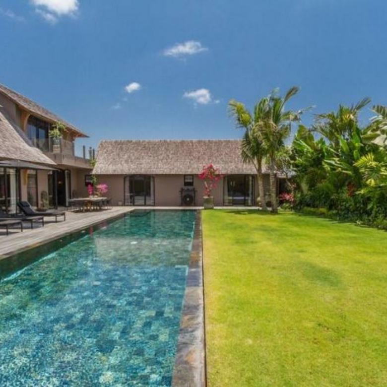 Dijual Villa Mewah Strategis Di Umalas Bali