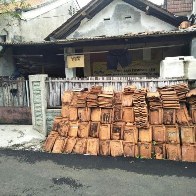 Rumah Tua Hitung Tanah Di Kampung Ambon