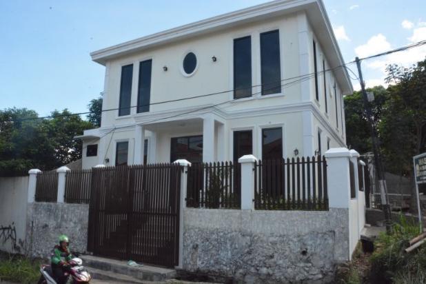 Rumah Dijual  Lokasi Strategy  , di Mega Cinere 17794035