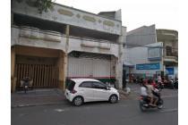 Rumah Kost+toko strategis raya Dukuh Kupang jejer Transmart dekat kampus