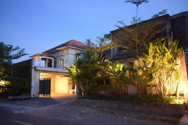rumah mewah lokasi sangat strategis dekat kota mataram - lombok