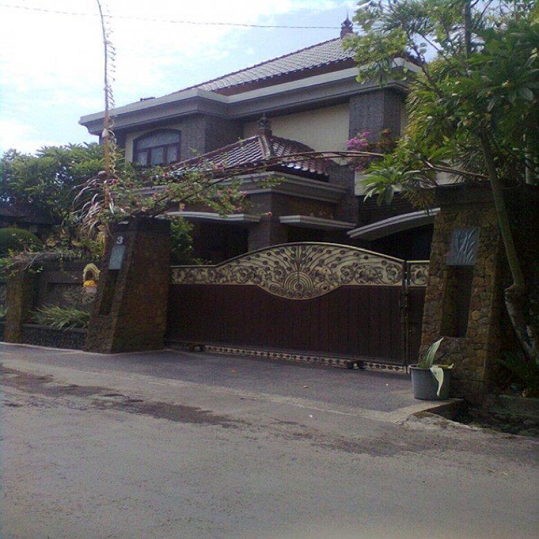 rumah mewah Dewi madri Renon dkt drupadi Jaya giri moh Yamin  Renon