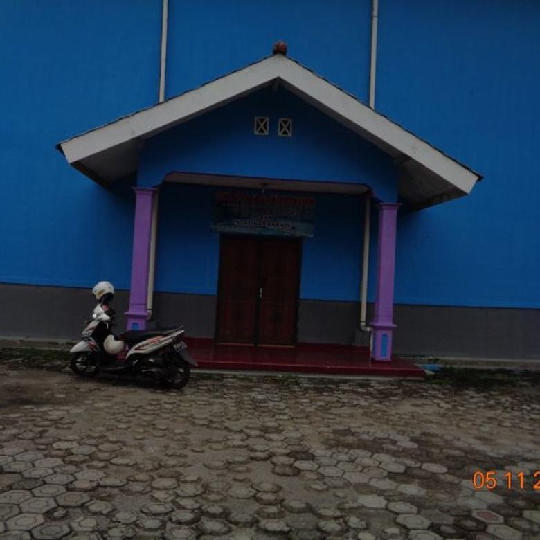 Lapangan Bulu Tangkis berikut rumah di Cilebut