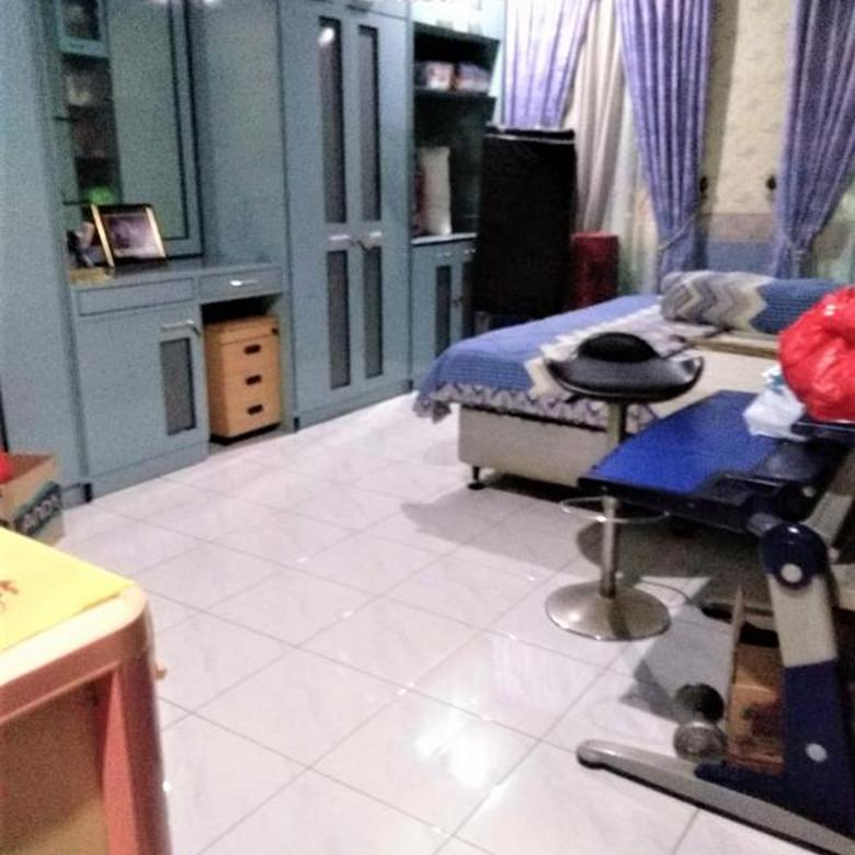 rumah HOOK bagus, terawat , siap huni di Taman Mahkota *0006-KELREN*