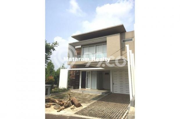 Rumah Lux yang Hommy desain modern minimalis full furnished siap huni 12777758