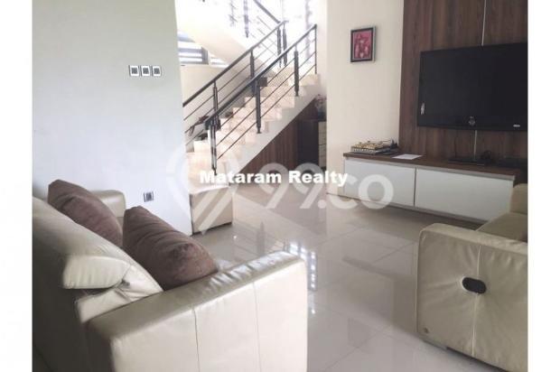 Rumah Lux yang Hommy desain modern minimalis full furnished siap huni 12777762