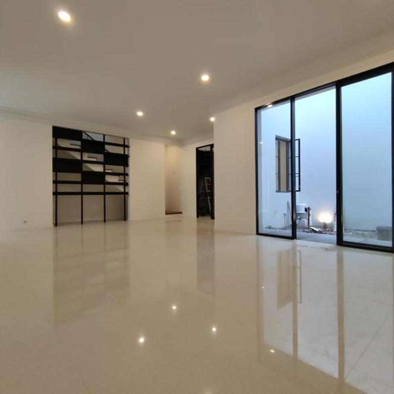 1 UNIT LEFT! Turun Harga, Rumah Cantik Modern Classic di Kemang Jakarta Selatan