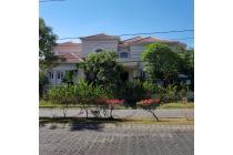 Dijual Rumah Strategis di Bukit Darmo Golf Surabaya