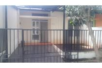 Rumah Dijual di Komplek Serpong Terrace Tangerang Selatan