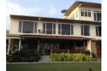 Rumah Lux , VIEW BAGUS, Halaman kebun Luas