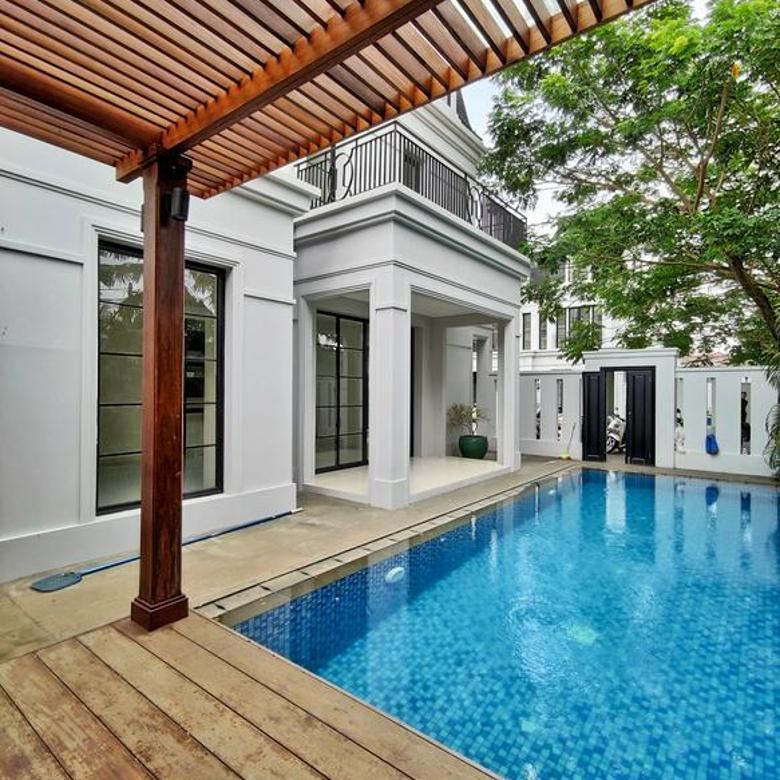 Hunian baru di  Kemang ada pool dan Bebas Banjir.