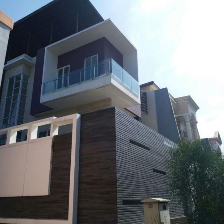 Dijual Rumah PIK Pantai Indah Kapuk Katamaran Indah Lt 500m2