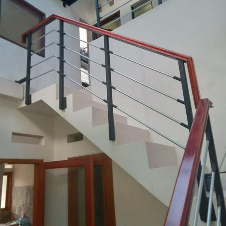Rumah 2 lantai Renovasi, Bagus, rapi dalam cluster di Bintaro Sektor 9