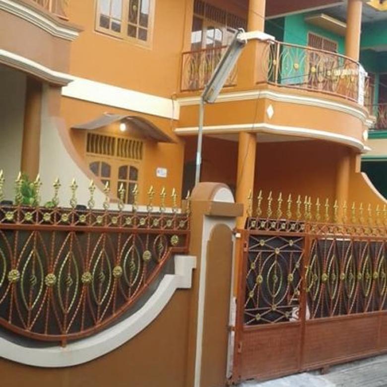 Dijual Rumah 2 Lantai Nyaman Lokasi Strategis di Condet
