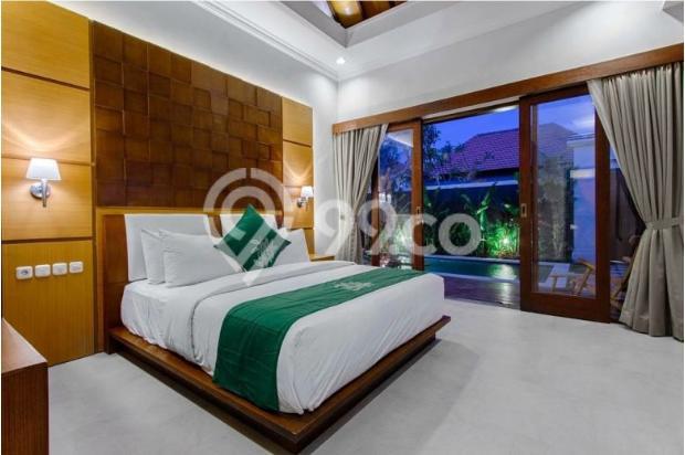 villa mewah dengan 5 kamar tidur di dekat jalan pantai