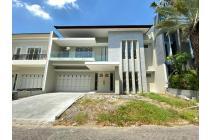 Rumah Villa Bukit Regency Surabaya Modern Minimalis, Garasi 2 Mobil