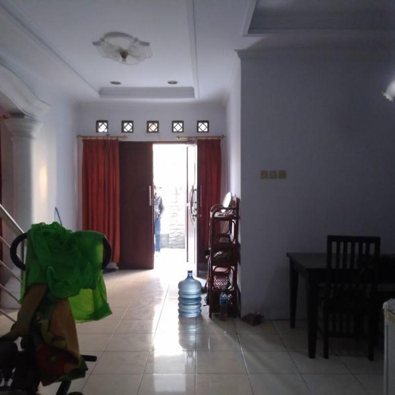 Rumah Terawat Taman Cibaduyut Indah