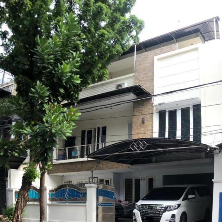 Dijual Cepat Rumah Mewah di Tanjung Duren Barat, Jakarta Barat