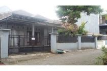 Sewa Rumah Rapi Strategis dekat Durian raya Banyumanik