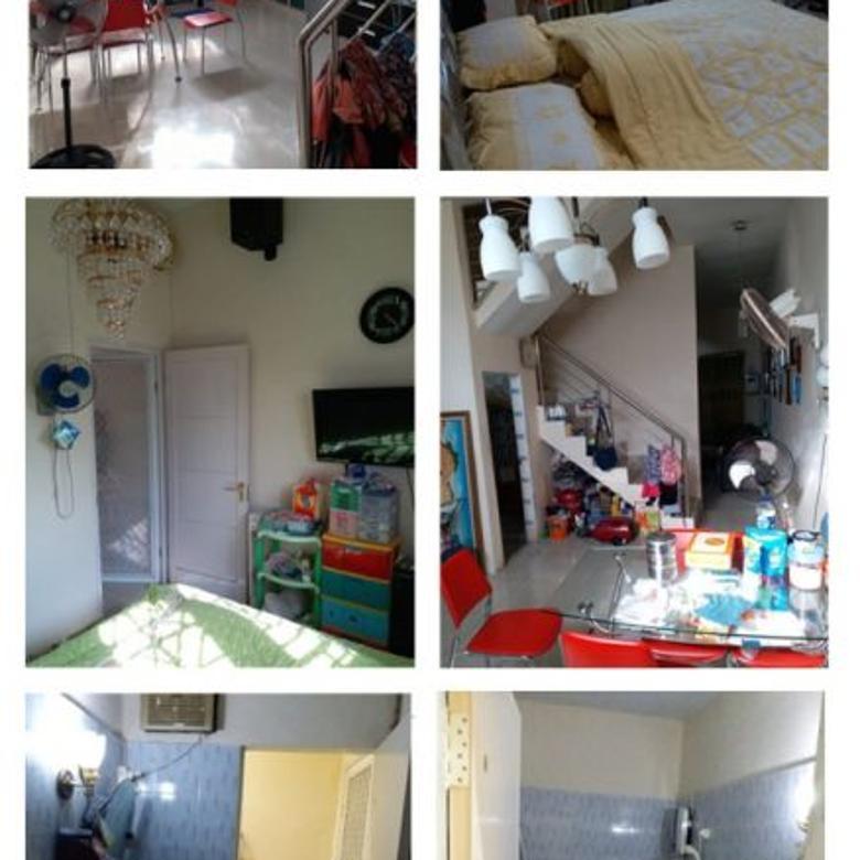 Rumah di Komplek The Elegant Residence