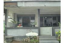 Rumah di Tengah kota , Ngadiwinatan, Yogyakarta