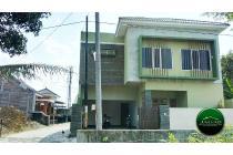 Rumah Mewah dekat Pasar Stan Maguwoharjo ( HM 11 )